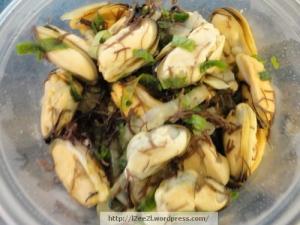 Mini Mussel Poke