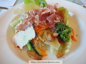 Prosciutto Caesar's salad Romaine lettuce,parmesan and prosciutto served with Mimasuya Caesar's dressing