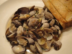 Aunty M's Steamed Clams