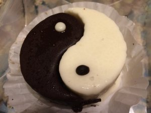Yin and Yang Cake